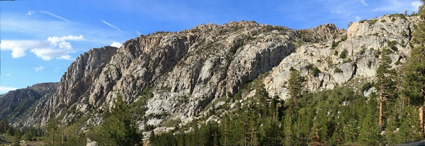 View southeast from just east of Sonora Pass (click on image for zoomable gigapan); photo courtesy of Ron Schott
